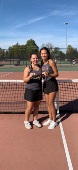 Hannah Lueke and Jasmine Smith Place Third at Tennis Sectionals Saturday