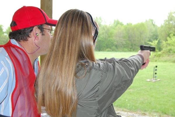 Carmi Rifle Club to Host NRA Women On Target Shooting Clinic