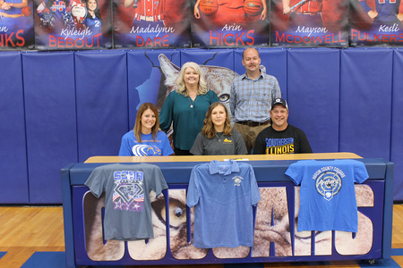 Mosby Signs with SIC Falcon Archers
