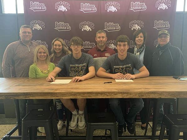 SIC Signs Two CWCHS Basketball Players