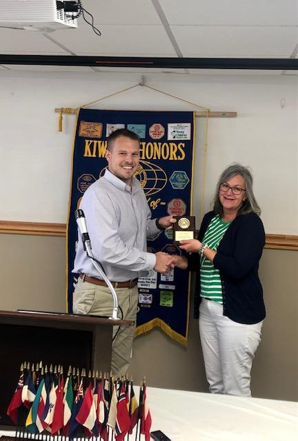 Kiwanis Club of Carmi Awards Potter as Educator of the Year