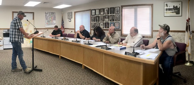 Grayville Council Approves Plan to Evict Vermin from New Police Station